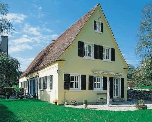 Kaiser Fensterläden / Fenster, Haustüren & Rolläden / Produkte / Großhandel / Burger Holzzentrum - Burger Holzzentrum