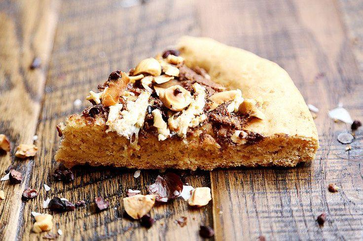 Pizza végétalienne au Nutella! C'est une vraie source de protéine qui vous aidera rester en forme et pleine d'énergie!