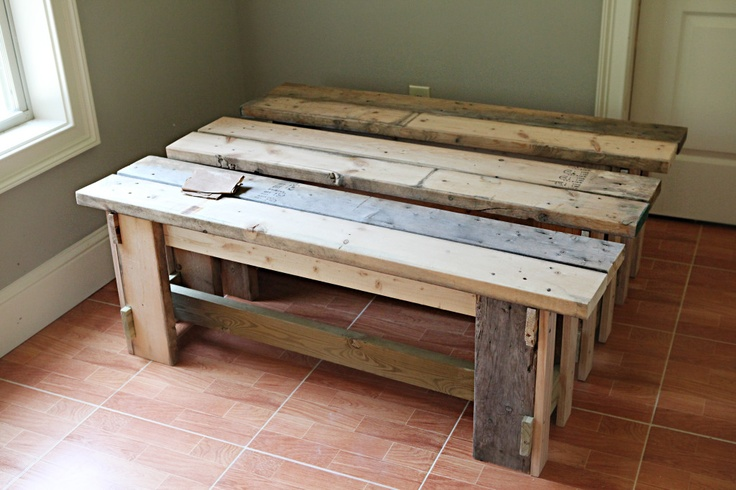 This bench is exactly what I'm looking for. I need to become a craftsman so I can build it!