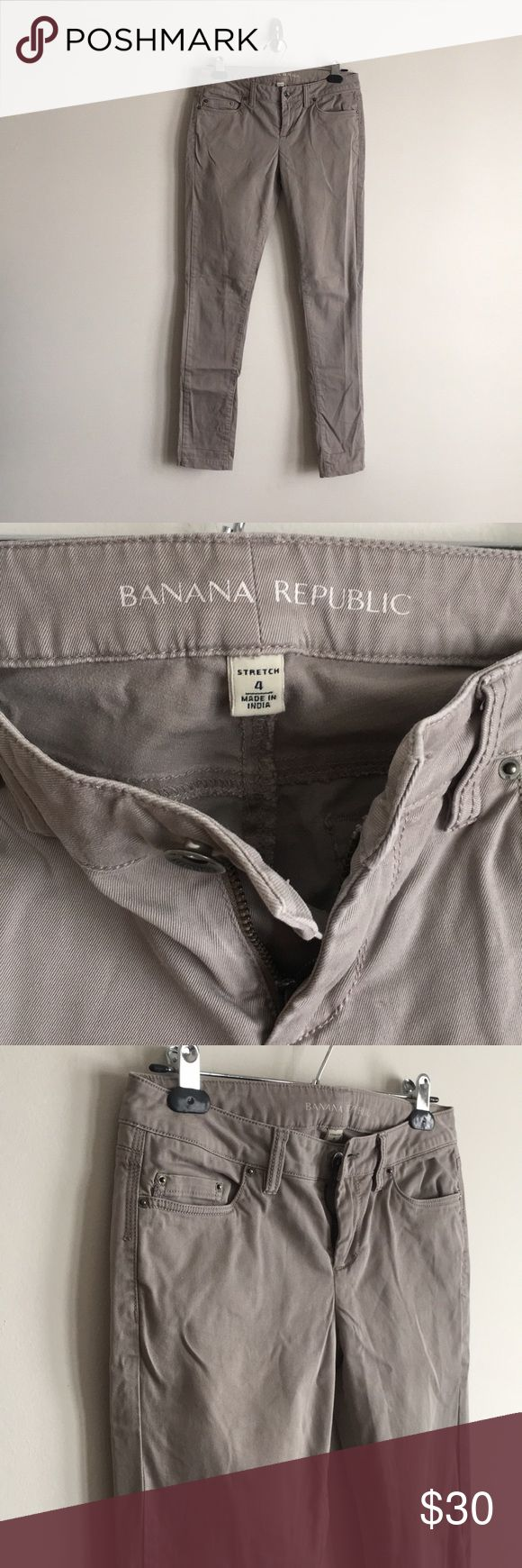 """BR Skinny Chinos Gently used with no major signs of wear. Only imperfections are a couple pulls below the back right pocket, pictured. Approximately 31"""" inseam. Grey-beige color. Please feel free to ask any questions 😊 Banana Republic Pants Skinny"""