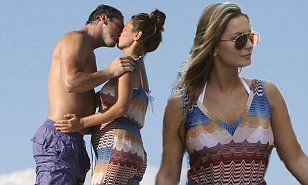 http://www.dailymail.co.uk/tvshowbiz/article-3246113/Pregnant-Sam-Faiers-beau-Paul-Knightly-loving-display-pack-PDA-holiday-France.html