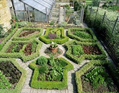 2043 best PotagersVegetableCutting Gardens images on Pinterest