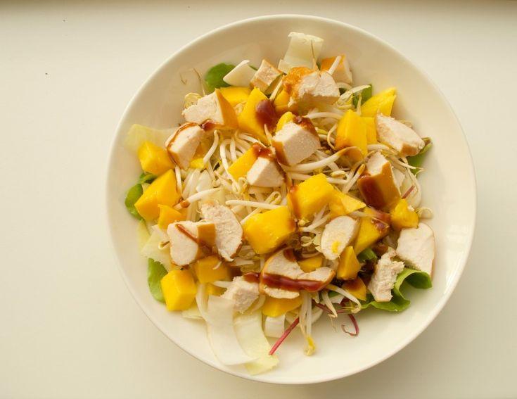 Recept: Salade met gerookte kip en mango
