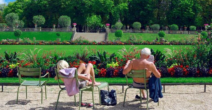 У людей, достигших 50 лет, спросили, что бы они сделали, если бы вернулись на 20 лет назад. Бесценные советы!