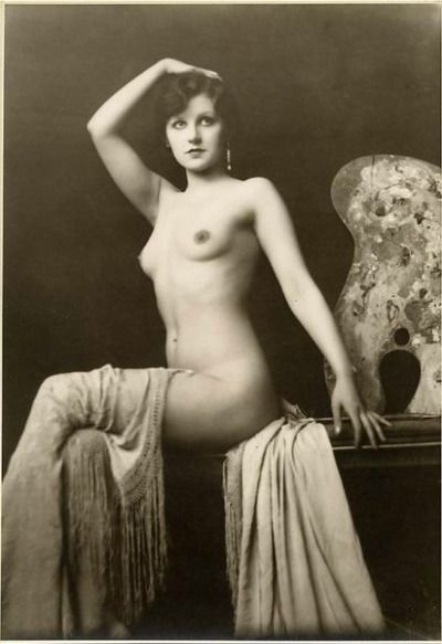 Dorothy Knapp - Photograph by Alfred Cheney Johnston