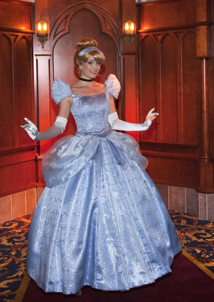 Meet The Disney Princesses in Disneyland's Fantasy Faire | Hidden Mickey Guy