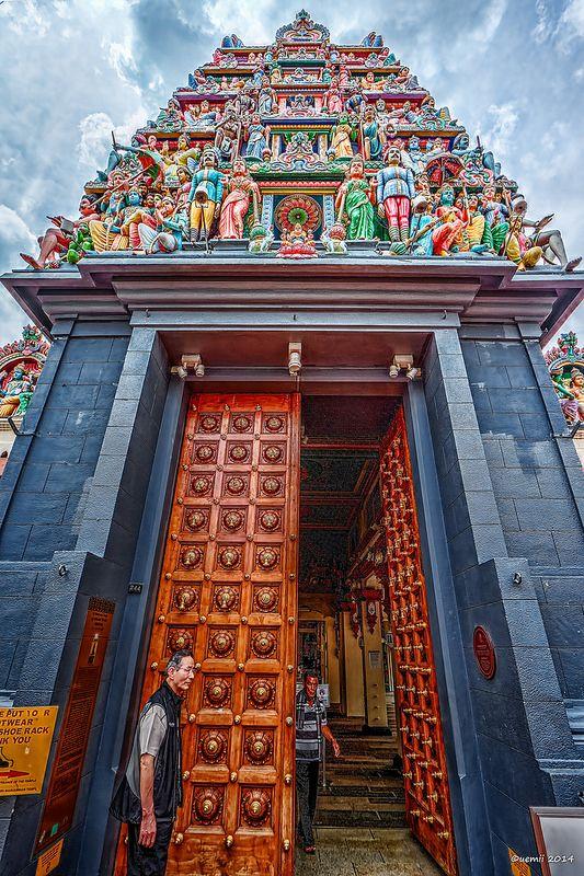 HDR Photo: Sri Mariamman Temple, Chinatown, Singapore ♥ #bluedivagal, bluedivadesigns.wordpress.com