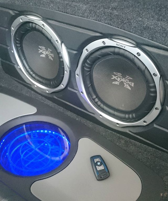 Bmw 125 - new subwoofers