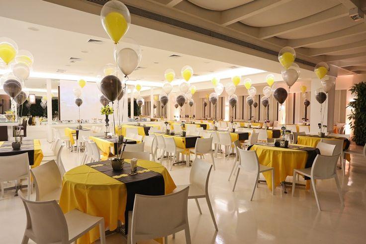 Decoração de mesa para convidados balões amarelos e pretos para Batman - Miguel 04 anos
