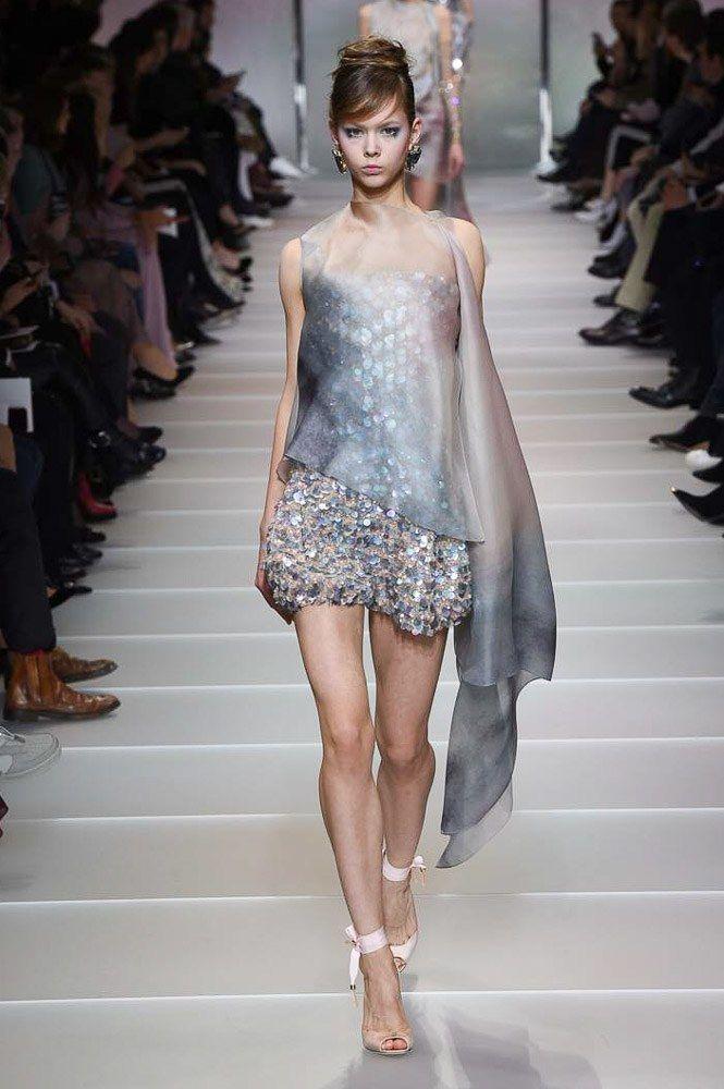 Abiti Da Sera Armani 2018.Armani Prive Spring 2018 Couture Fashion Show Vestiti Abiti E Moda