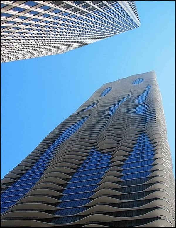 New Water Tower (Aqua Tower) - Chicago Ill. Its height of 250 meters, is a unique sculptural facade of a building, creating the illusion of waves.