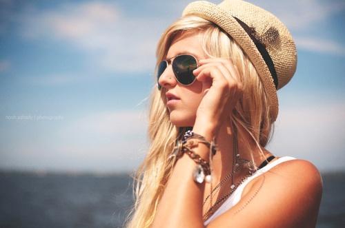 aviators, beach, blonde, bracelets, fedora