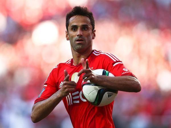 Benfica: Jonas discute renovação quando voltar de férias