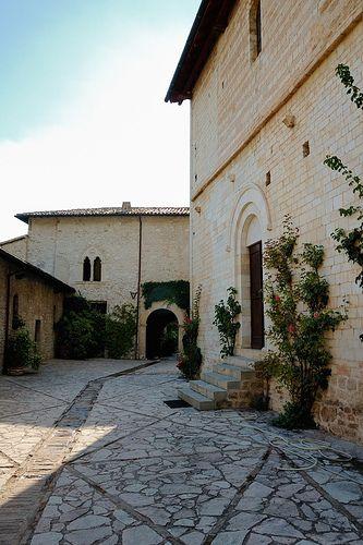 Abbazia di Sant'Eutizio, Umbria - Sagrato   Flickr – Condivisione di foto!