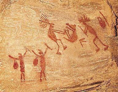 Maľba z doby kamennej - odovzdávanie ceny výhercovi tomboly a radosť rodinných príslušníkov