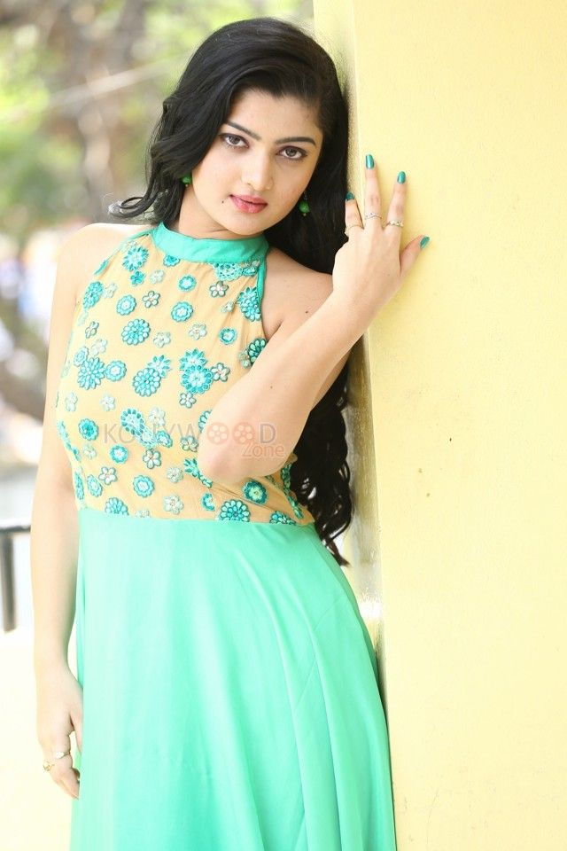 Latest Photos of Akshitha -   For more pictures, visit http://www.kollywoodzone.com/cat-akshitha-9079.htm