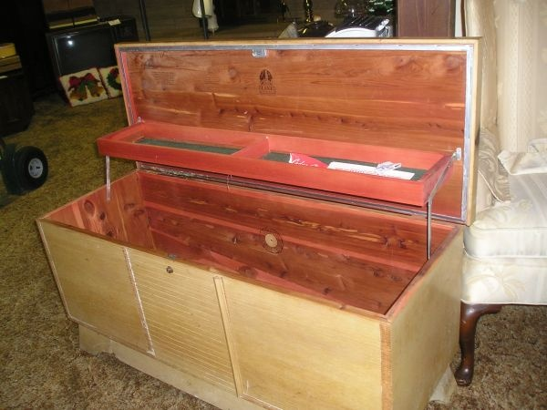 17 Best images about Lane Hope Chests on Pinterest : Shops, A well and Vintage