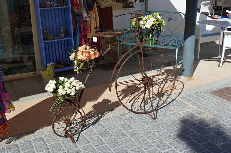 Bicibleta. Botiga de Sant Elm. Mallorca, Spain: