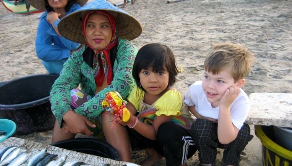 children-travel-asia