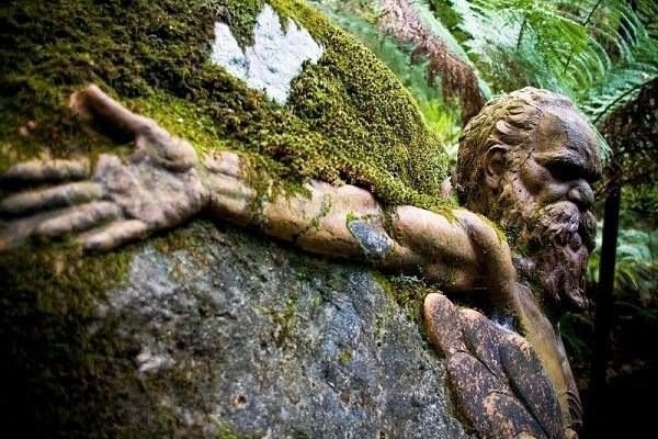 Simply love these rock carvings #rockcarving #outdoorart #sculpture #park #gardendesign