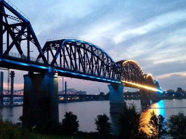 Louisville's Big Four Bridge lit in honor of @ZayatStables on Saturday night: http://cjky.it/1T45sgL