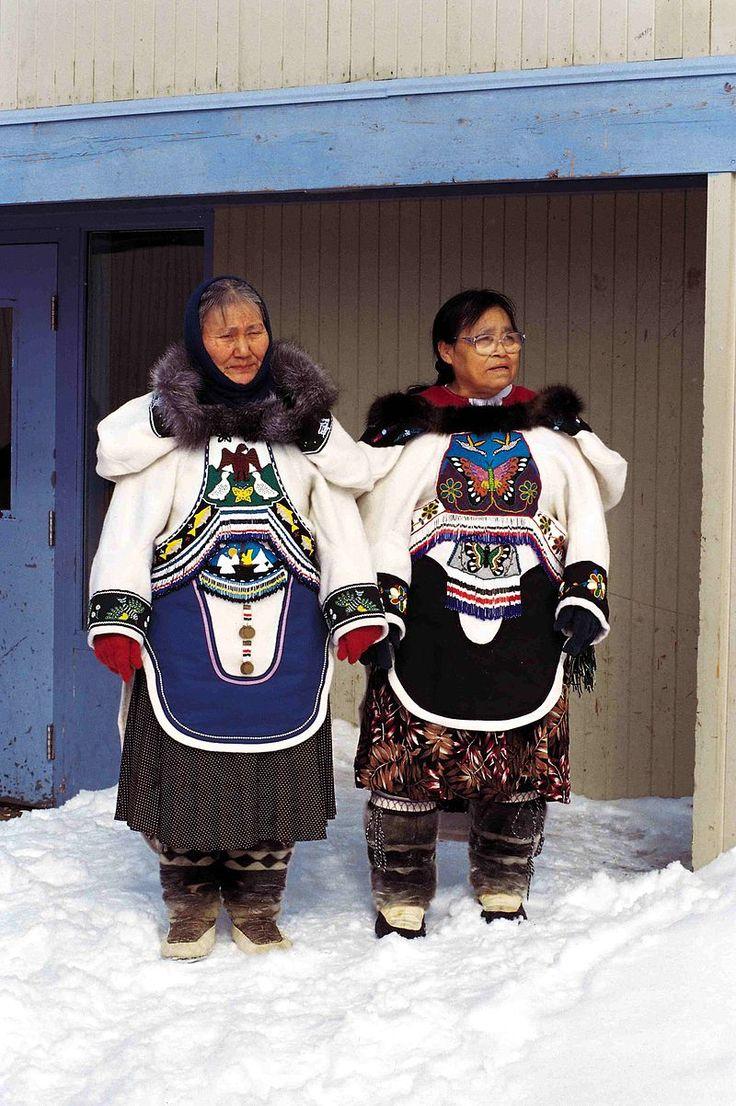 Throat singers 1999-04-07 - Musique inuite — Wikipédia