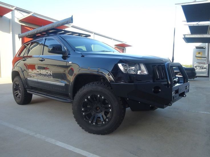 Jeep Grand Cherokee WK2 bull bar #Jeep #Cherokee #Rvinyl =========================== http://www.rvinyl.com/Jeep-Accessories.html