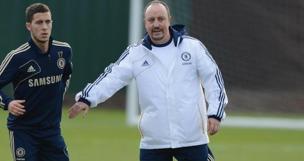 Primeras imágenes de Rafa Benitez como entrenador del Chelsea en el Predio de Cobham junto al equipo en el entrenamiento matutino.