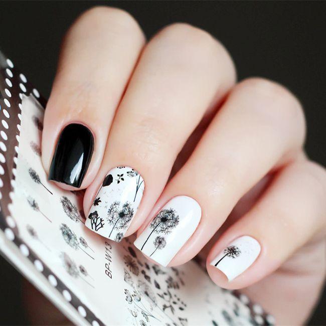 Черно-белые наклейки на ногти в виде одуванчиков #НОГТИ #НАКЛЕЙКИ #МАНИКЮР