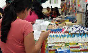 Juan Carlos Vidal @Juancavidal Más de 1 millón de bs cuesta comprar útiles y uniformes ¿Cómo lo compra un venezolano si el salario es de 136milbs? #RegresoAClasesSinUtiles