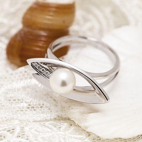 Inel cu perla si diamante B812