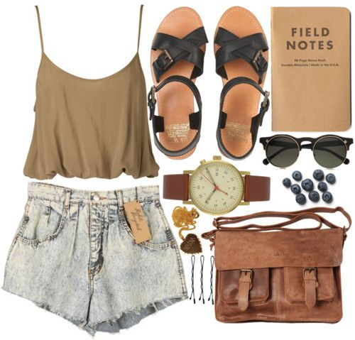 Earthy tones with high-waist acid-washed shorts. Love the watch and sunglasses. Blueberries are awesome, too :p