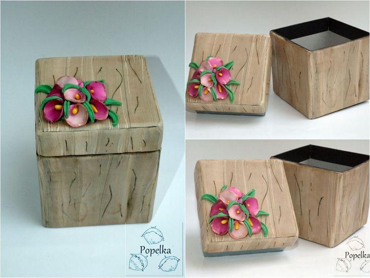 Andrea Popelka Popelková - krabička s imitací dřeva a dalších přírodnin podle workshopu Andrey Zajacové z 2.ročníku Polymerové školy online