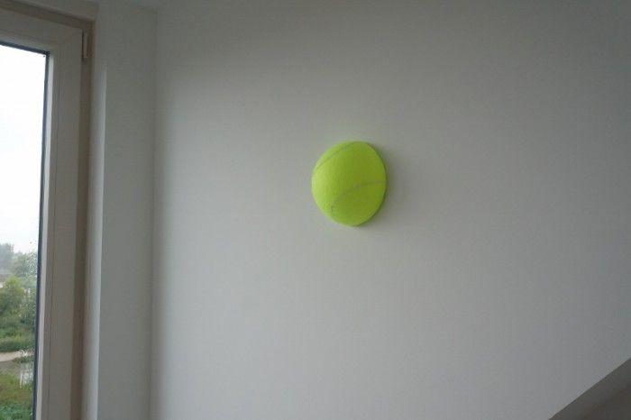 3D Tennisbal. Leuke opvallende 3D muursticker