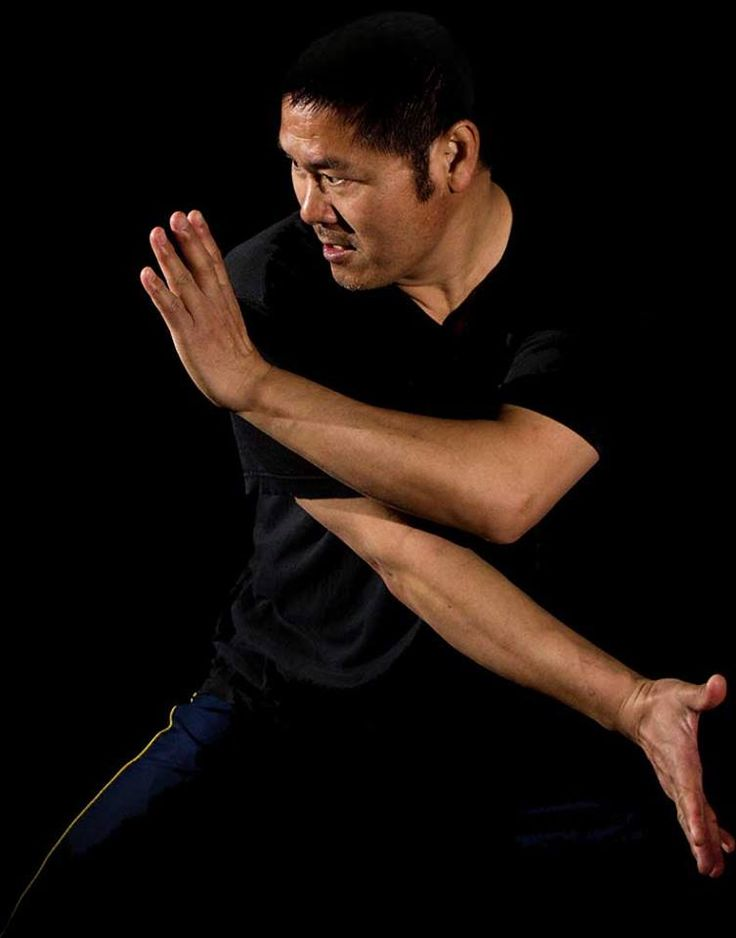 "Master Lü Bao Chun - Bājíquán (八極拳) Bājíquán (八極拳), historically known as the ""martial art of bodyguards"", emphasizes the use of close-range techniques such as elbow strikes and takedowns to finish the fight swiftly."