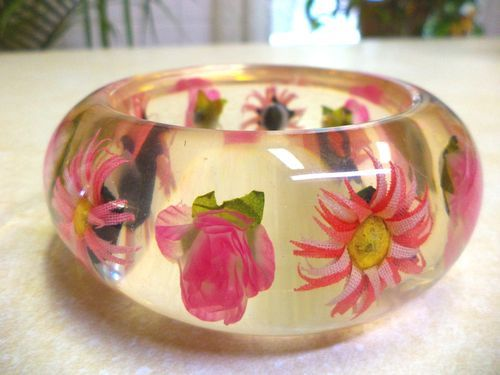 Vintage Flower Clear Lucite Bangle Bracelet Plastic Please Jewelry Pinterest Bangles Bracelets And