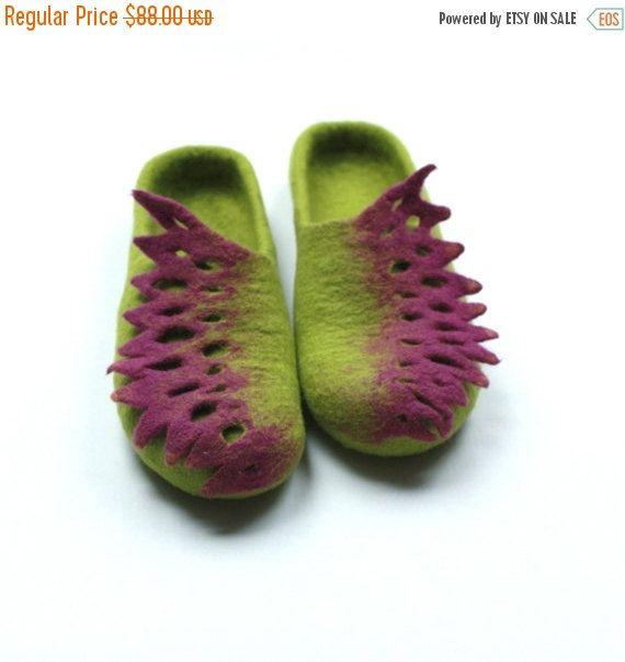 SALE Women felted slippers handmade wool clogs от AgnesFelt