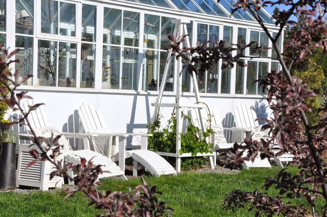 Den Vita Drömgården: Egensnickrade växtstöd