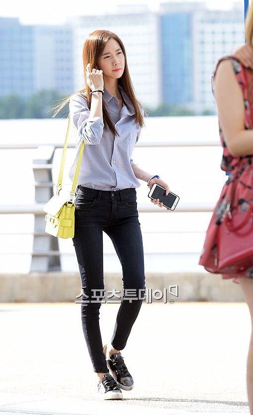 Snsd Yoona Airport Fashion 140802 2014 Pinterest