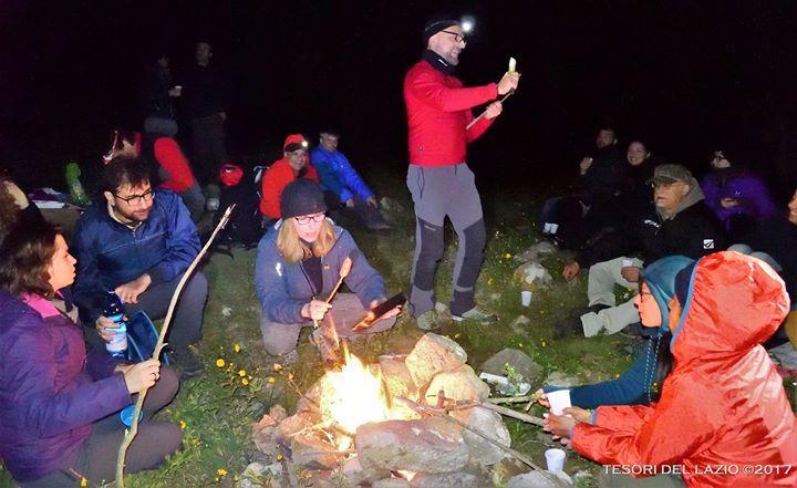 Tesori del Lazio 2017 #escursione #notturna tra i Monti della #Tolfa - l'ora di cena e il fascino del fuoco... :-)