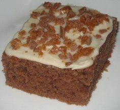 Chokoladekage med glasur og Daim
