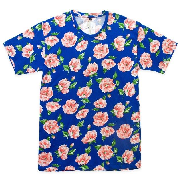 Drei - Blu Le Fleur Tees    http://www.maskool.in/products/tipe/tipe-baju/blu-le-fleur-tees/