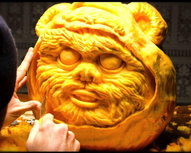 Star Wars Pumpkin Carving of an Adorable Ewok! #Halloween #StarWars #pumpkin