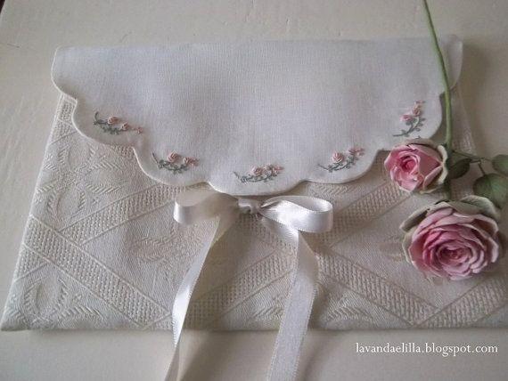 Schema in formato pdf della busta per lingerie vista sul mio blog lavandaelilla.blogspot.com