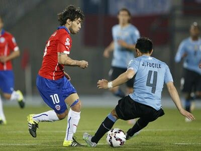 Jorge Valdivia vs Fucile