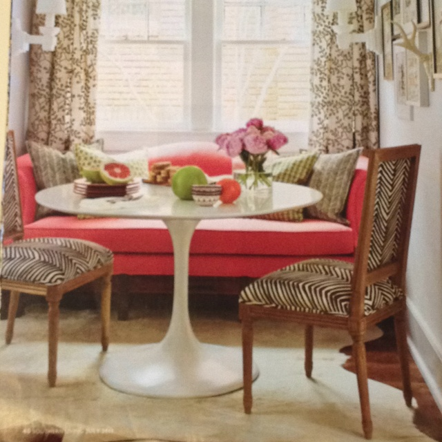 Eat In Kitchen Furniture: Eat In Kitchen With Settee