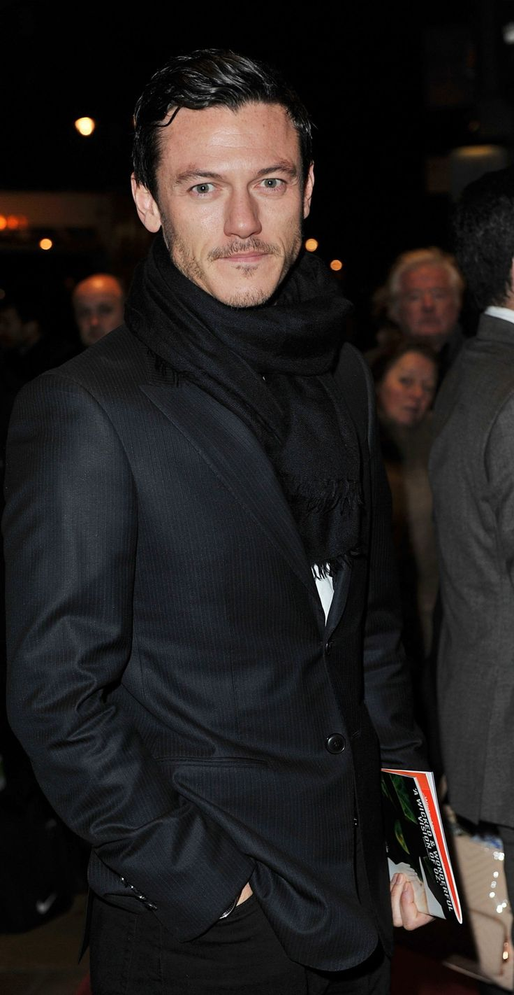 """One Man, Two Guvnors"" Press Night, 21 Nov - Фотоальбомы - Luke Evans (Люк Эванс)"