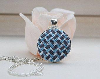 Collana di ricamo, cross stitch gioielli, regalo per la sorella, donna regalo, regalo per lei, collana, collana di punto croce