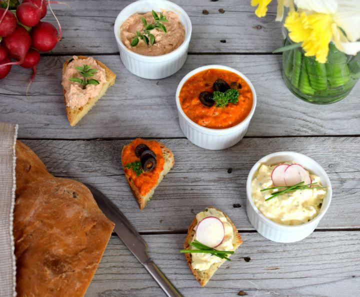 Každé ráno nová dilema, čo na raňajky. Ponúkame ti až 3 alternatívy na jednoduché recepty na pomazánky. Bude ti k nim chýbať iba čerstvý domáci chlieb.