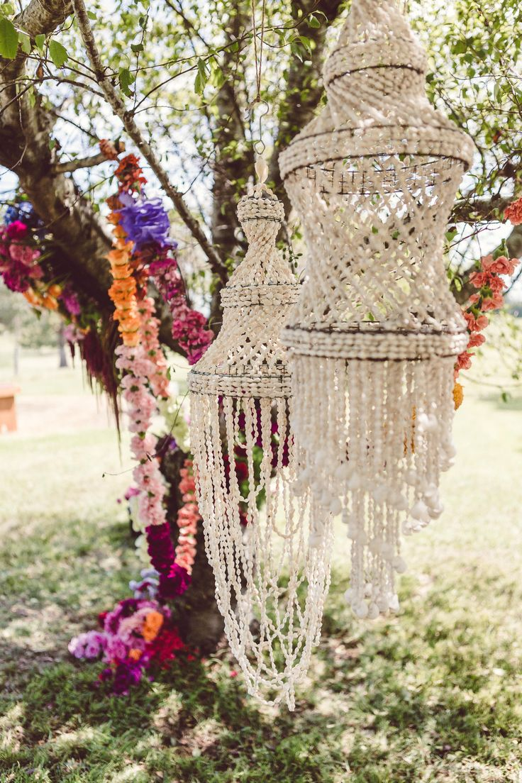 Shell chandeliers and bright boho blooms